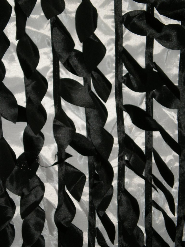 White-Black Laser-Cut Decorative Mango Leaves